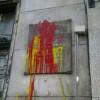 El monumento a los Abogados de Atocha amanece con manchas de pintura en su 36º aniversario