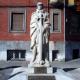 Oviedo: Los grupos de izquierda exigen que la estatua de Teijeiro no se reponga