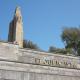 Tapan con hormigón el último monumento franquista en Ceuta