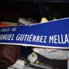 El Foro por la Memoria retira la calle Manuel Gutiérrez Mellado y llena de carteles el IES Manuel Fraga Iribarne