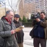 2010_01_24_ Emilio Sales lee la carta de Baena