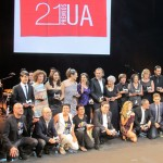 Foto de familia de todos los premiados 560