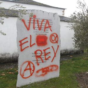 Ocero pintadas monumento memoria histórica /