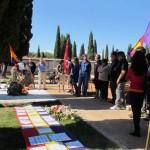 acto-en-el-cementerio