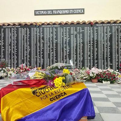 ofrenda floral cementerio Cuenca Otoño republicano 2013
