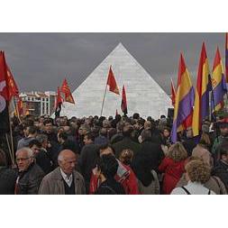 piramide--253x180