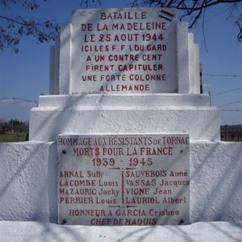 Monumento-conmemorativo-Tornac-e1409166651458